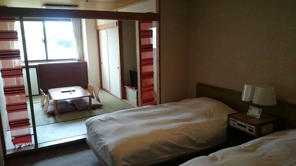 โรงแรมคันโรโนโมริ