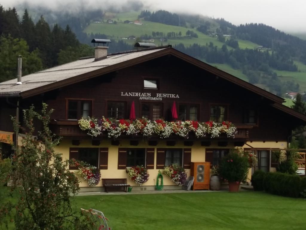 Landhaus & Haus Rustika