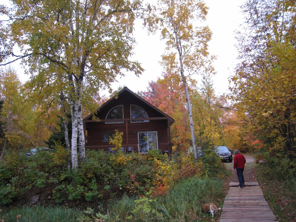 Scott's Superior Inn & Cabins