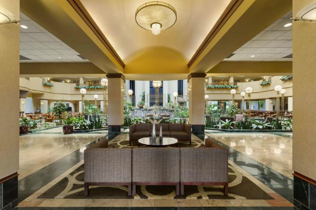 ‪Embassy Suites by Hilton Portland-Airport‬