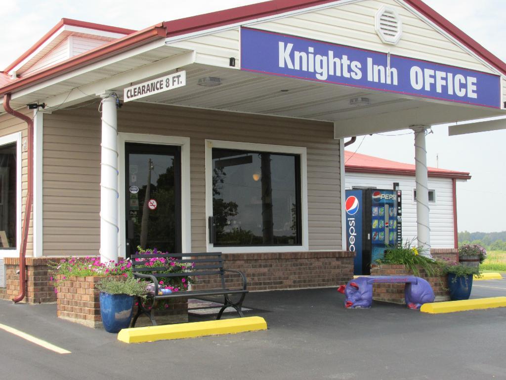 Knights Inn Cadiz