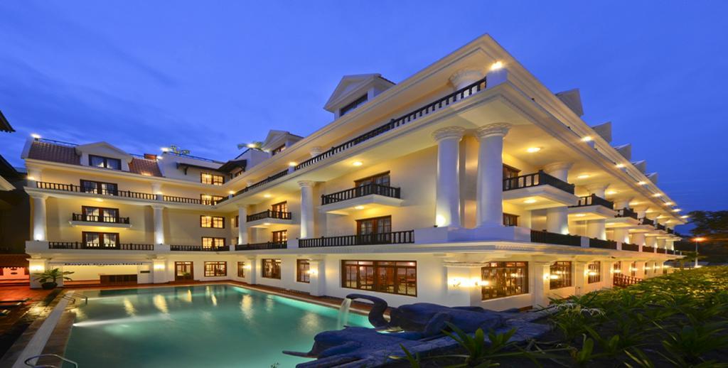 로열 크라운 호텔 & 스파