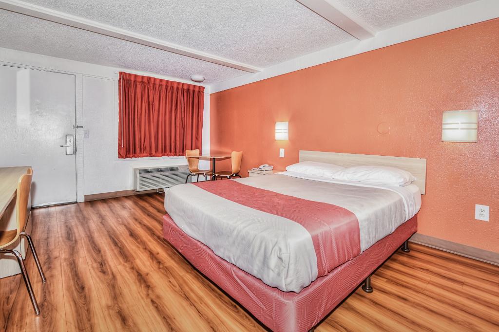 Motel 6 Asheville