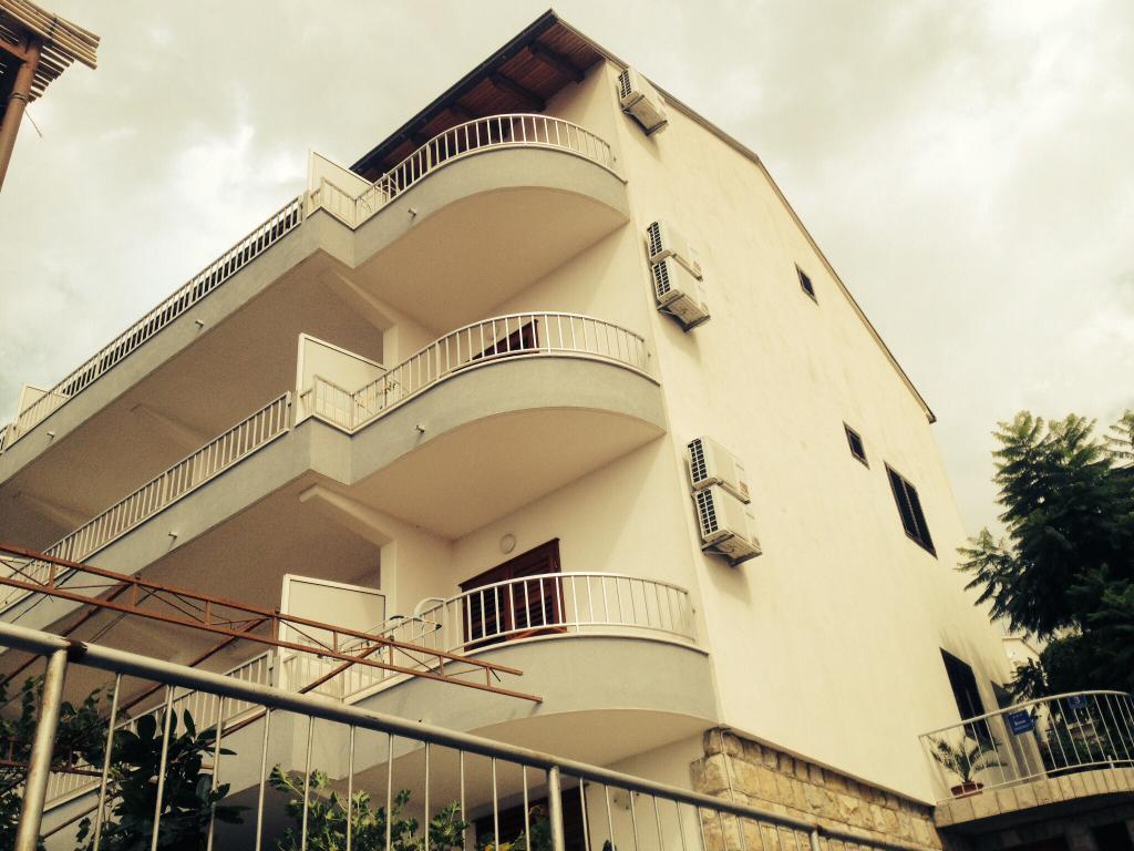 Apartments Mate Makarska
