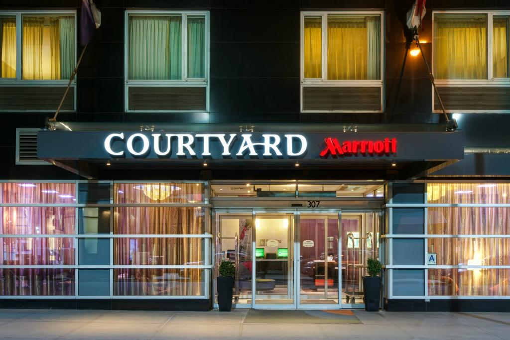 Courtyard by Marriott New York Times Square West