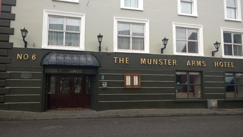 ‪Munster Arms‬