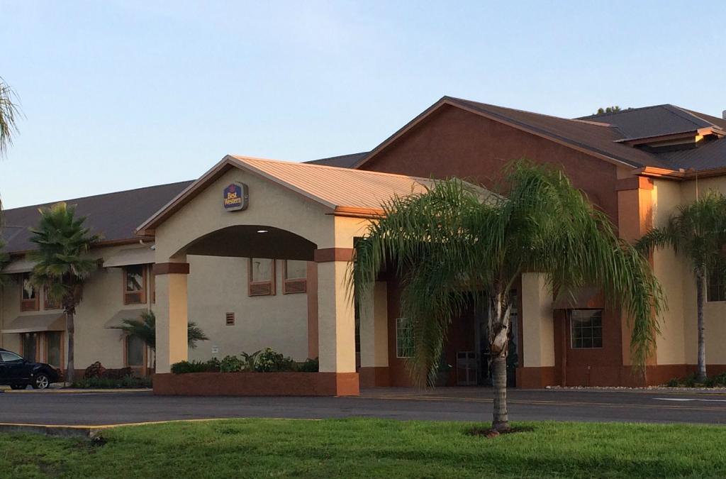 スーパー 8 マルベリー FL
