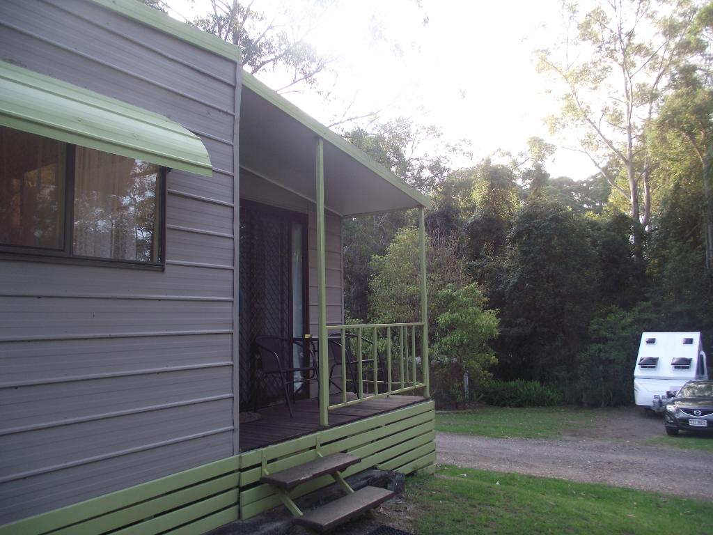 Mapleton Cabins & Caravan Park