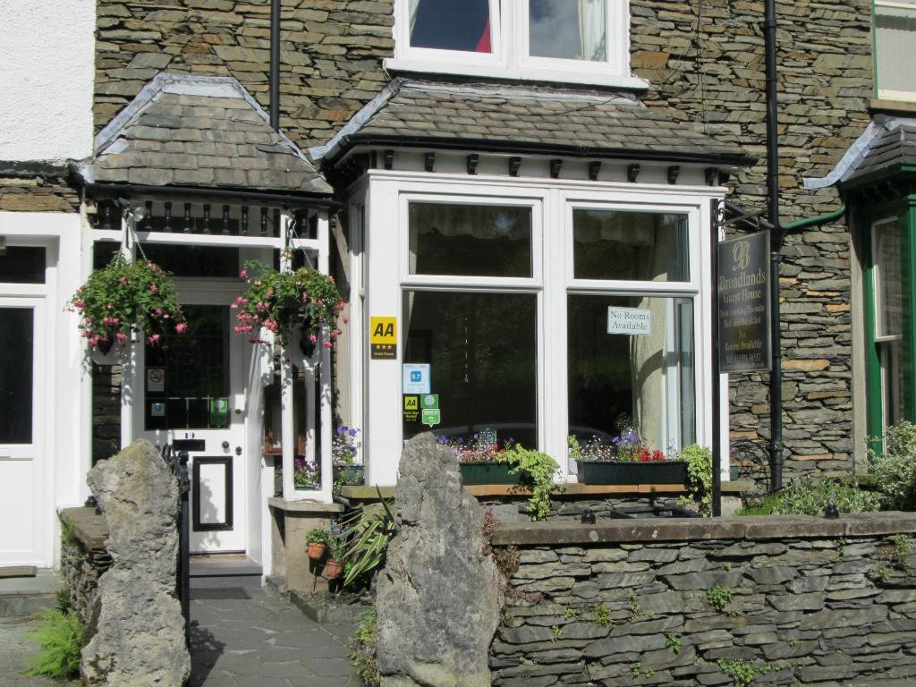 Broadlands Guest House