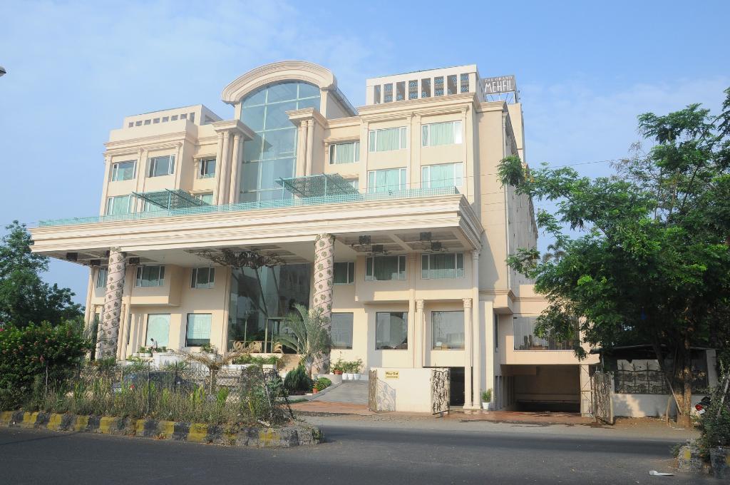 Hotel Grand Mehfil