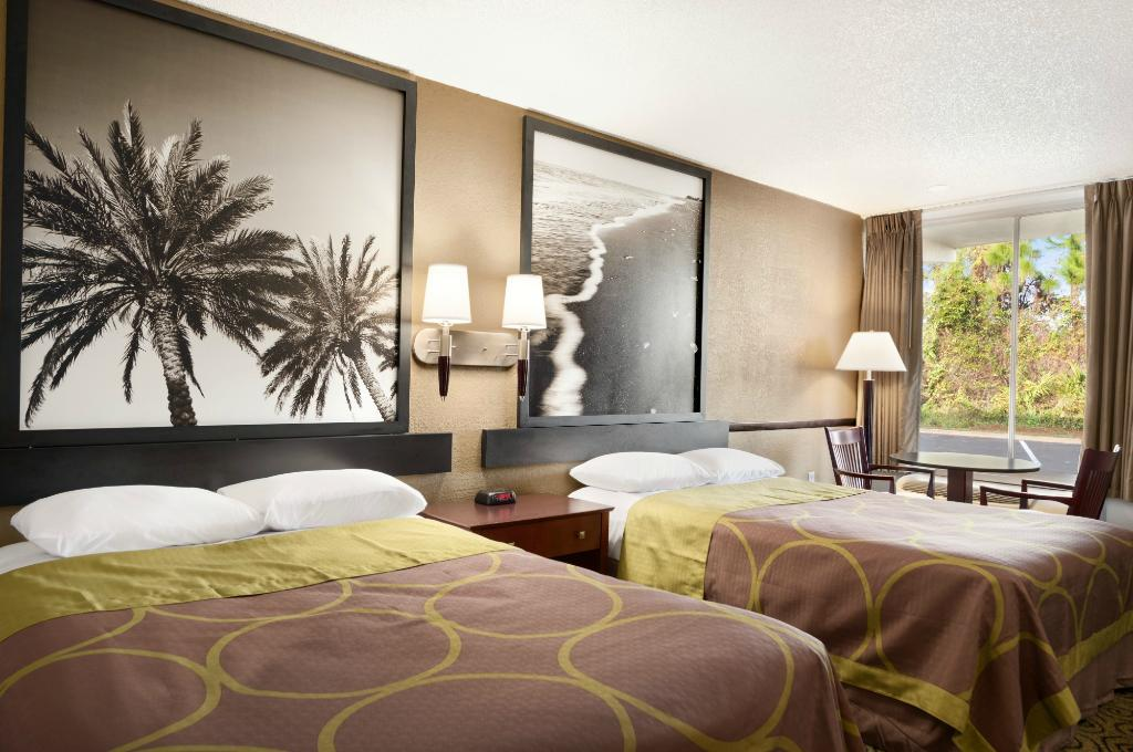 奧蒙德海灘速 8 飯店