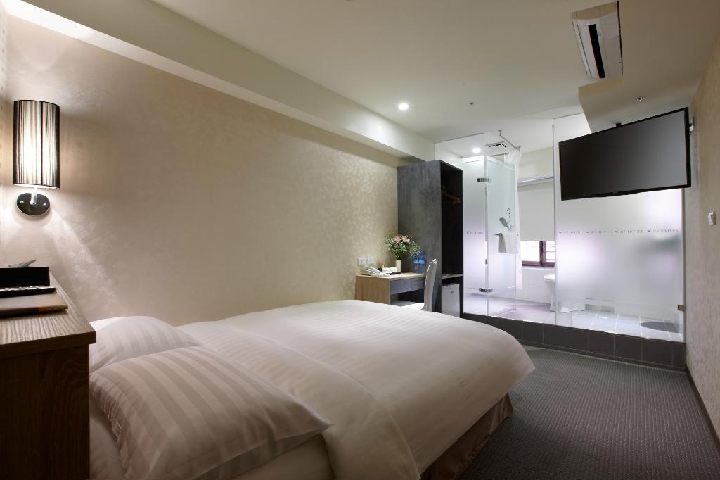 RF Hotel