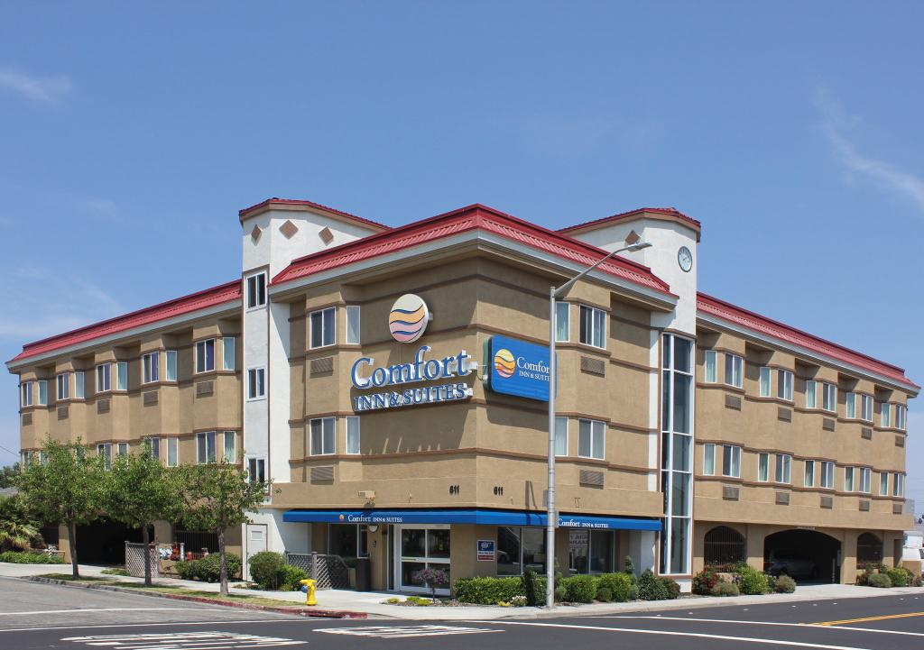 ‪Comfort Inn & Suites San Francisco Airport WEST‬