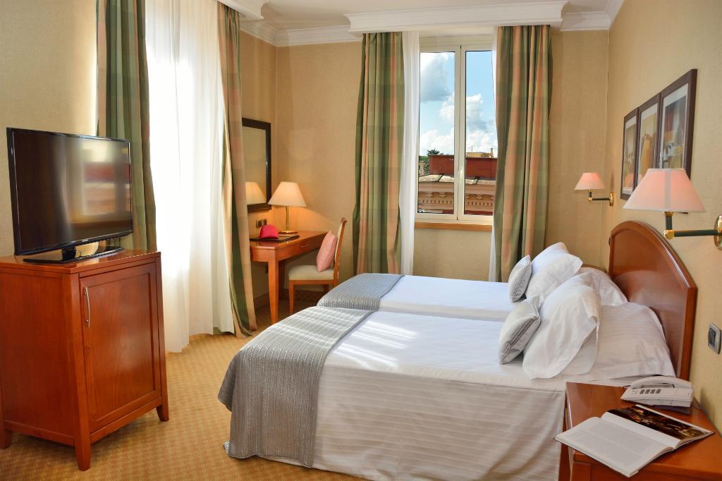 Hotel Apogia Lloyd Roma
