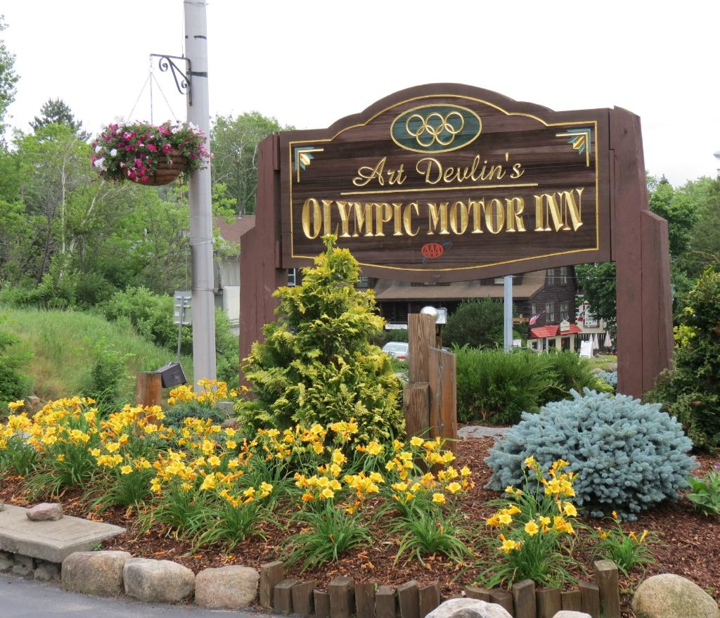 ‪Art Devlin's Olympic Motor Inn‬