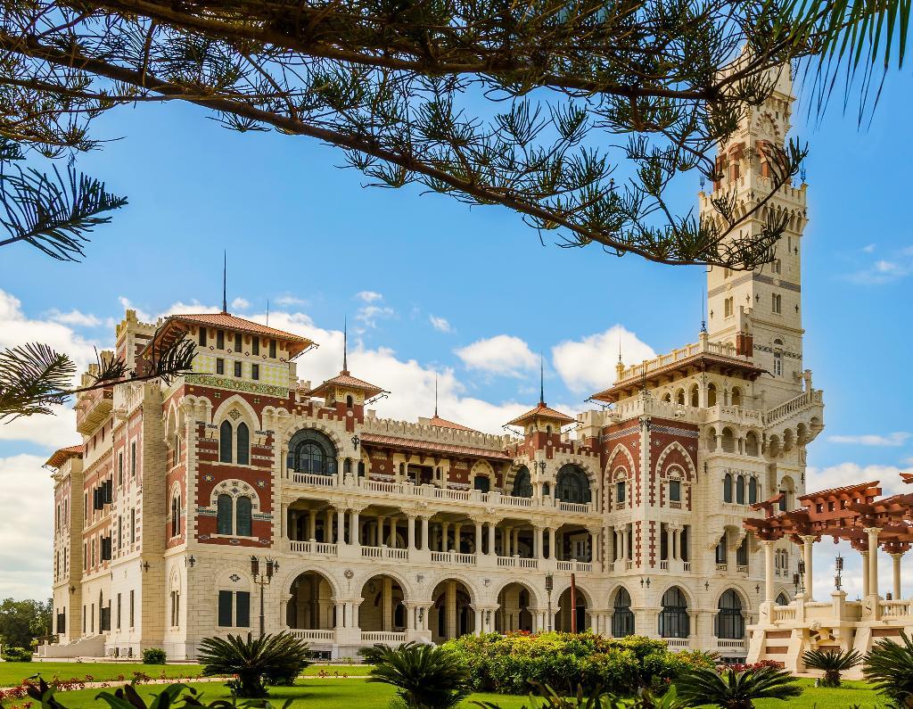 فندق شيراتون المنتزه
