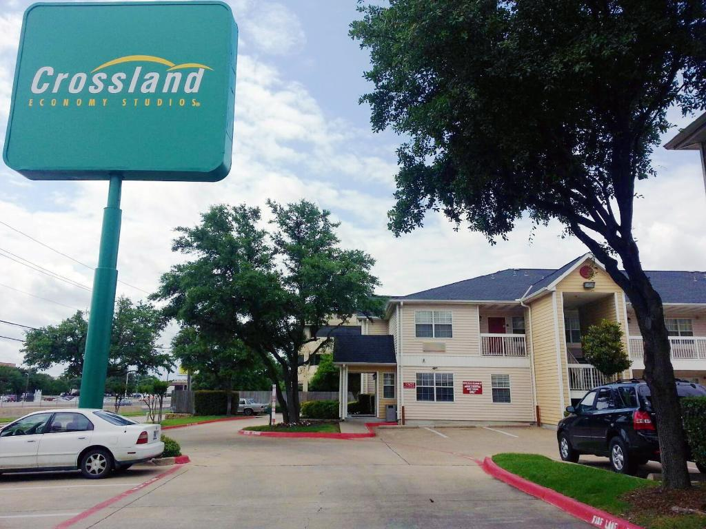Crossland Economy Studios - Dallas - North Addison - Tollway