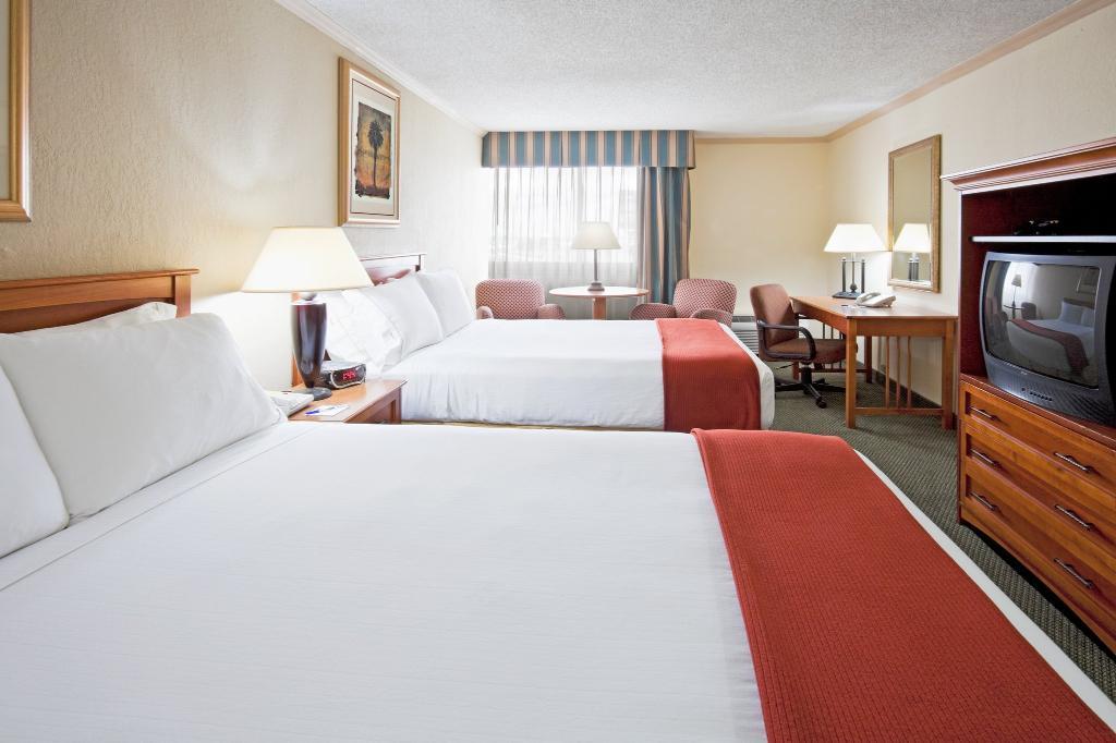 ホリデイ・イン エクスプレス ホテル&スイーツ マイアミ ハイアリア(マイアミ レイクス)