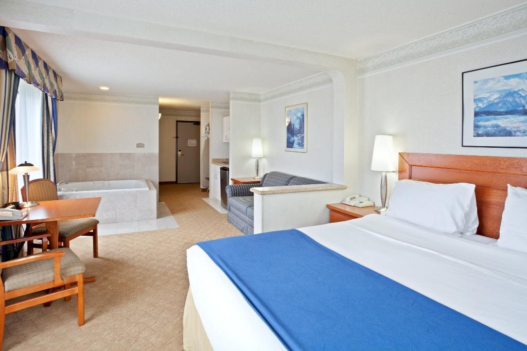Holiday Inn Express Tacoma