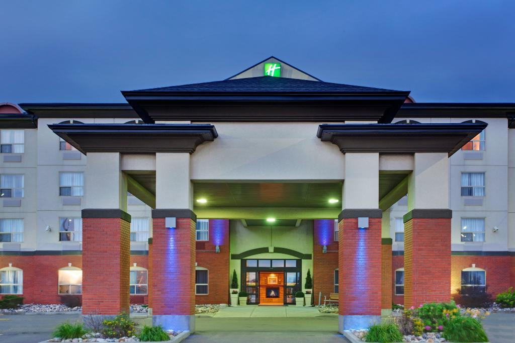 Holiday Inn Express & Suites - Sherwood Park
