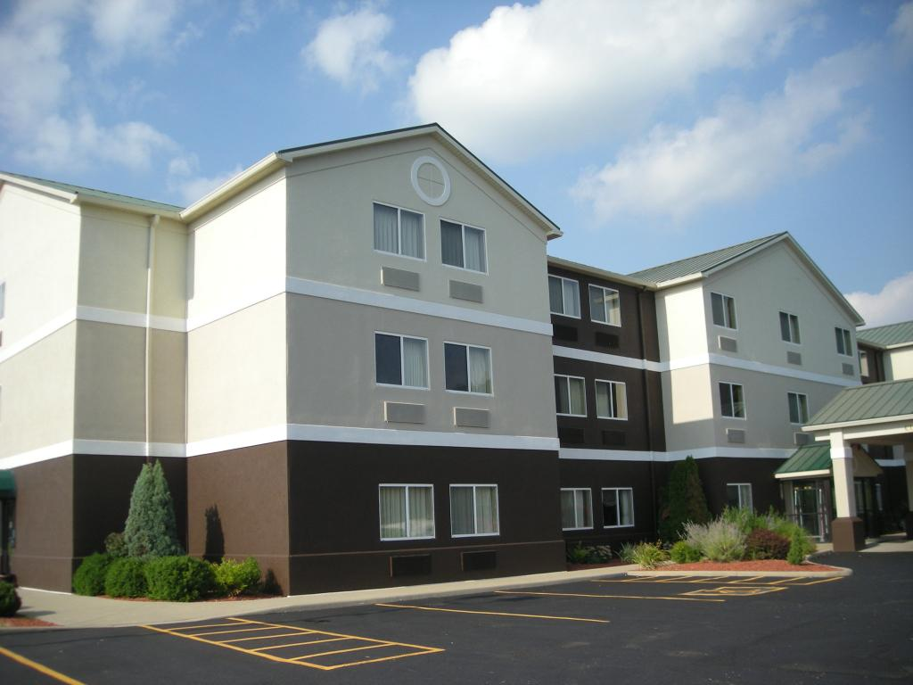 Red Roof Inn & Suites Ferdinand