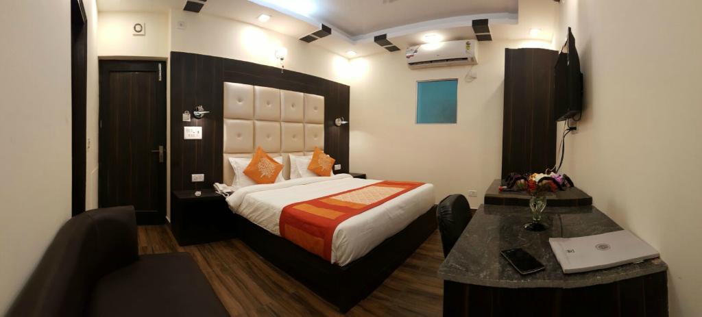 Kapoor Inn
