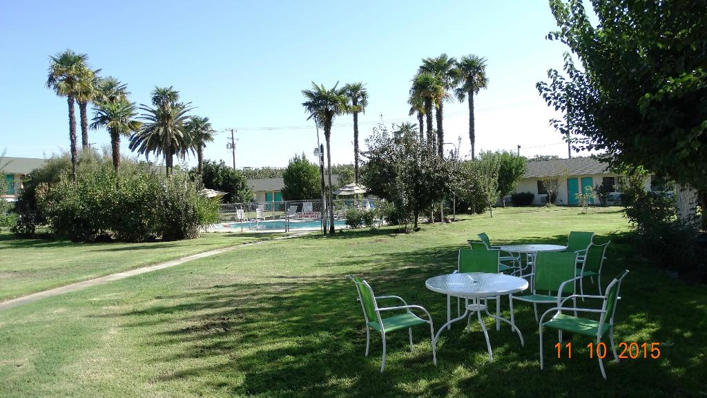 99 Palms Inn & Suites