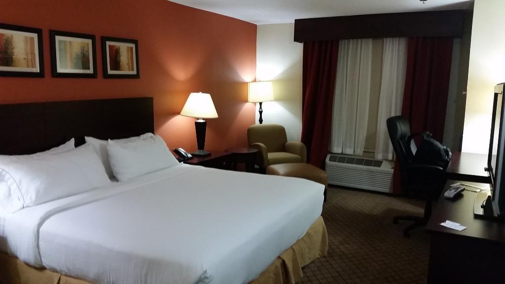 Comfort Inn & Suites Canton
