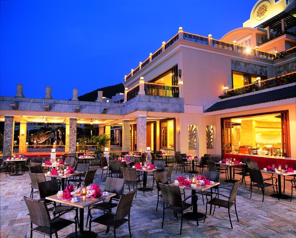 Cactus Resort Sanya by Gloria