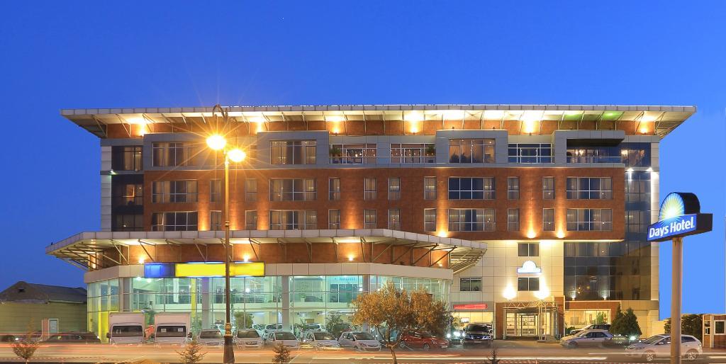 巴庫戴斯飯店