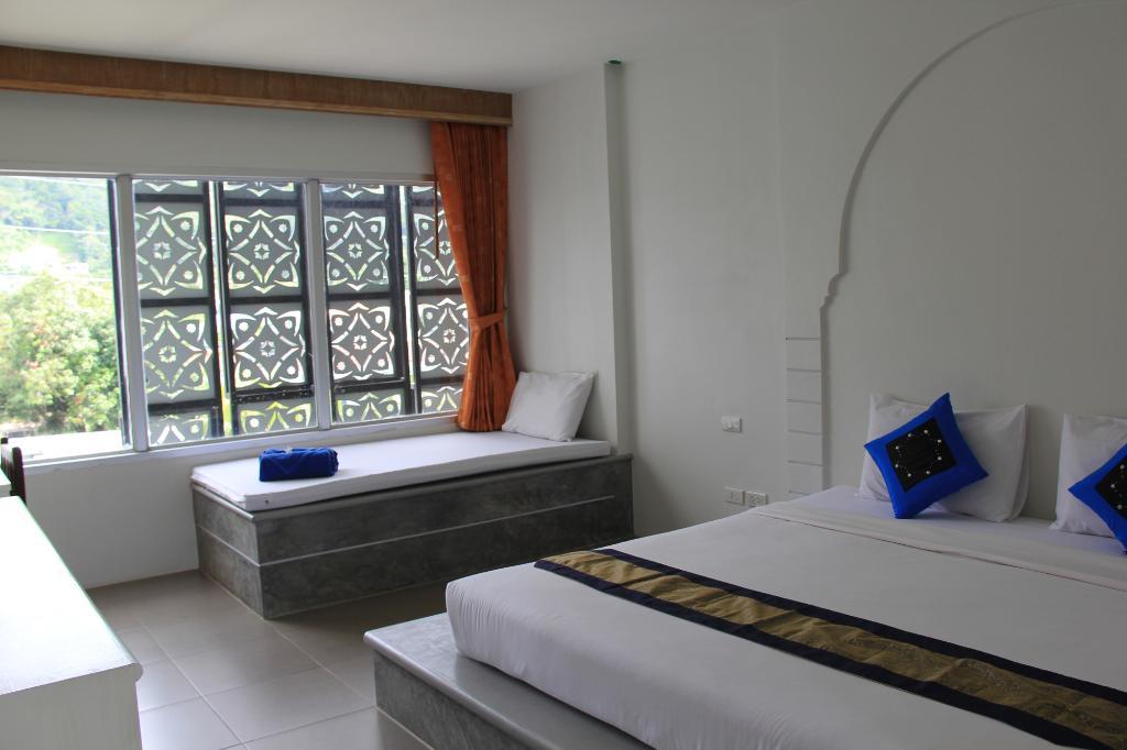 Dinar Lodge