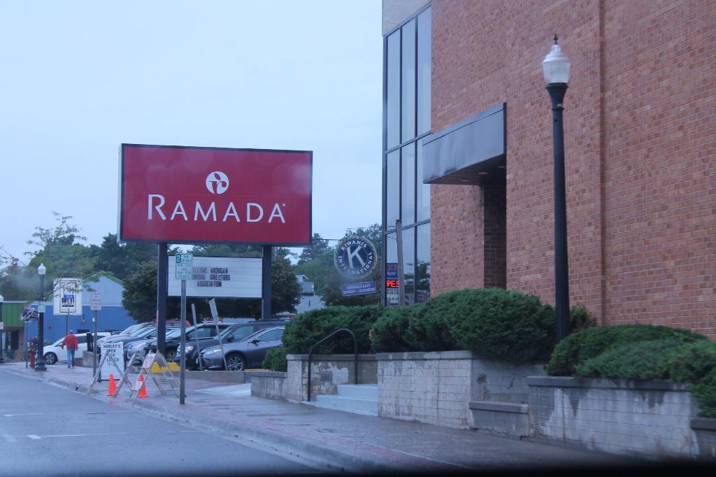 Ramada Marquette