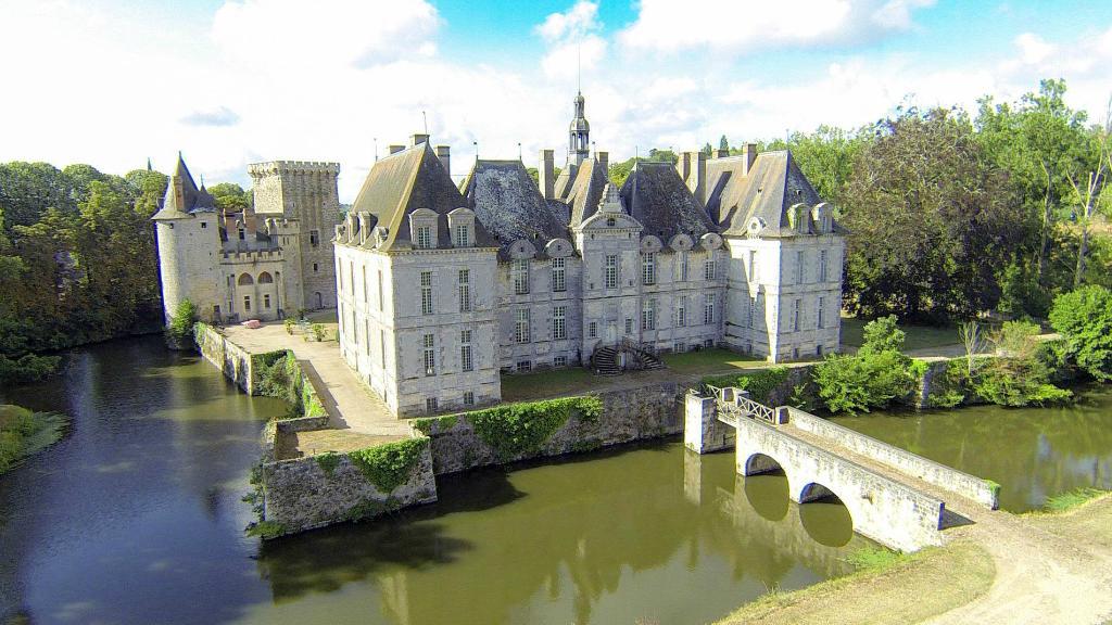 Chateau de Saint-Loup
