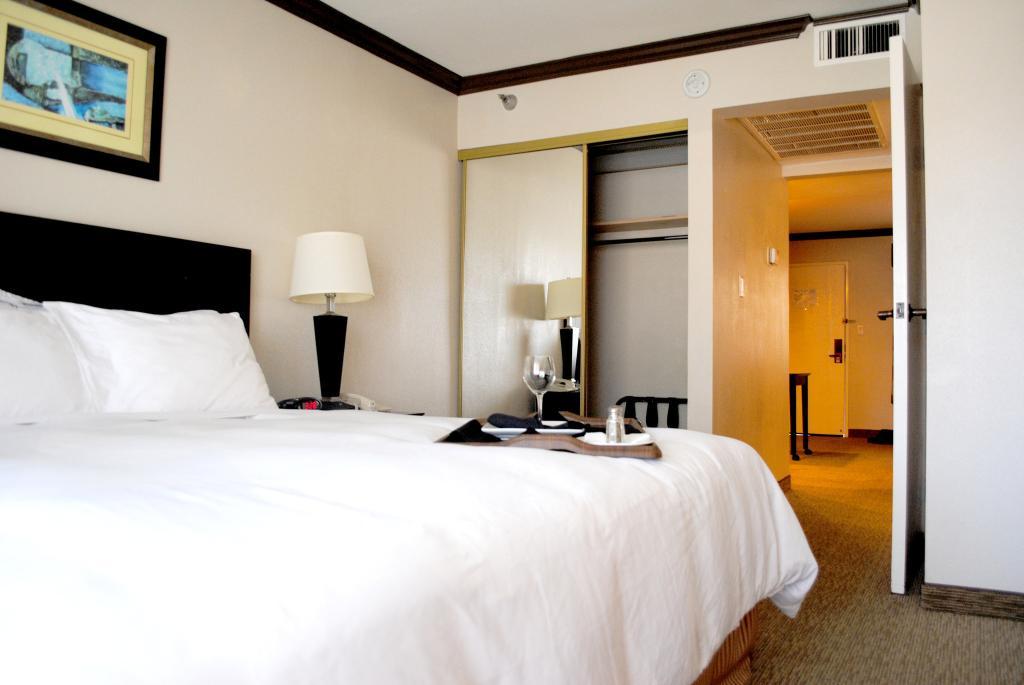 Vanllee Hotel and Suites
