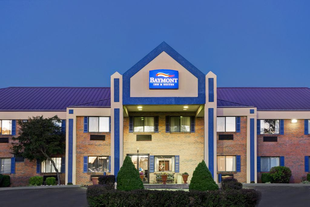 ‪Baymont Inn and Suites Harrodsburg‬