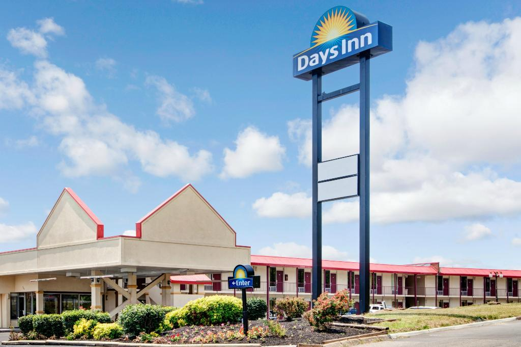 ‪Days Inn Knoxville West‬