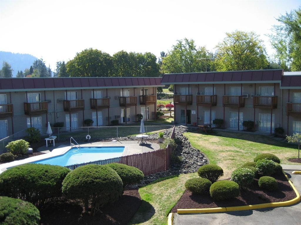 恩努克勞雪松旅館