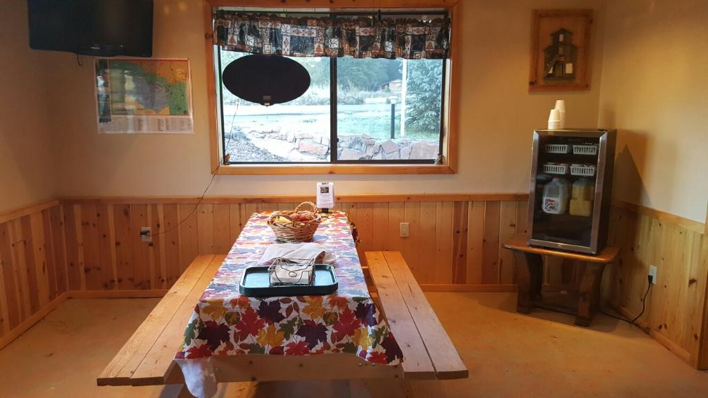Mountain Hi Lodge