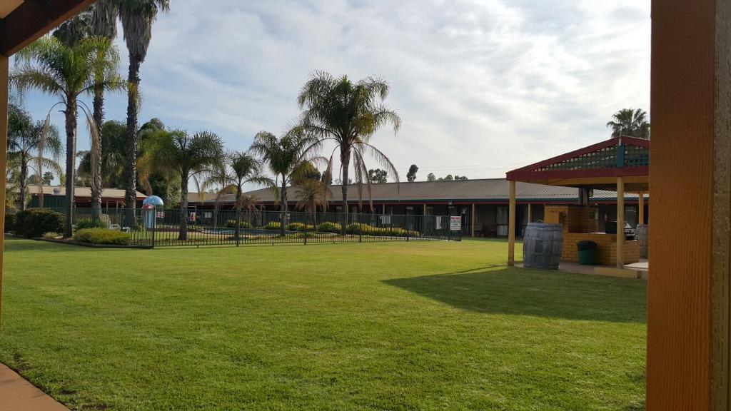 Barooga Country Inn Motel