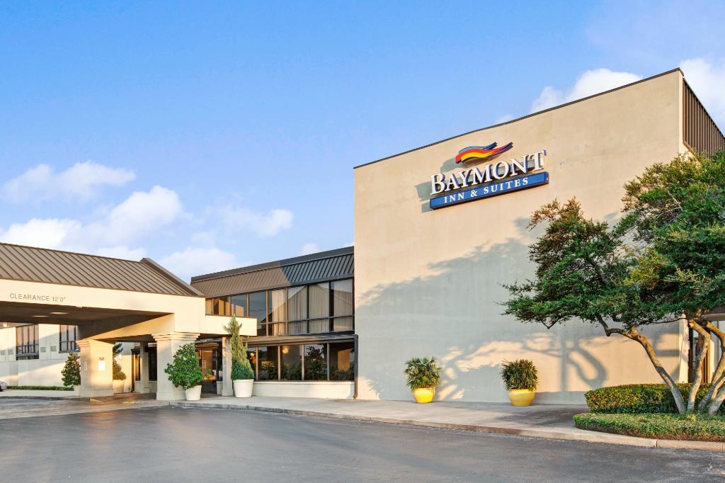Baymont Inn & Suites Houston- Sam Houston Parkway