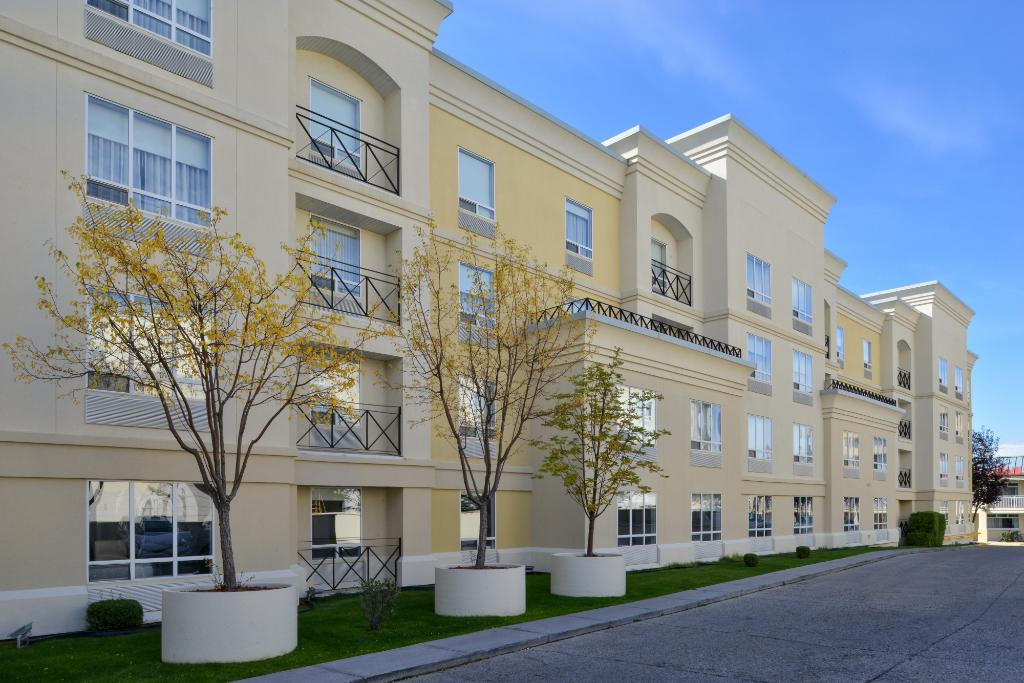 Hampton Inn & Suites By Hilton Calgary- University Northwest