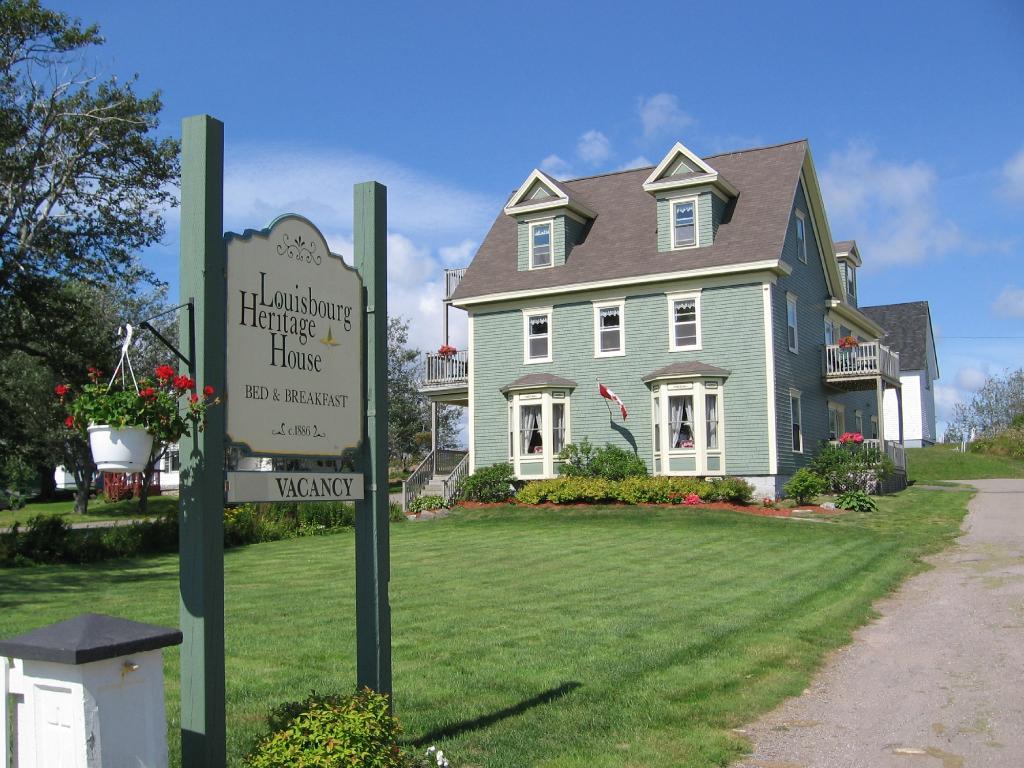 Louisbourg Heritage House Bed & Breakfast