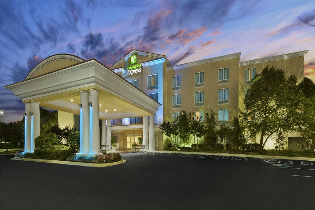 Holiday Inn Express Hotel & Suites Concord