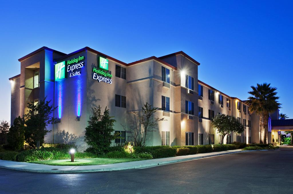 Holiday Inn Express Tracy
