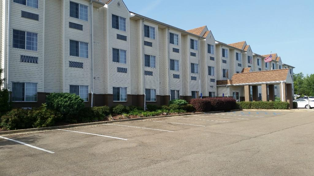 ‪Microtel Inn & Suites by Wyndham Starkville‬
