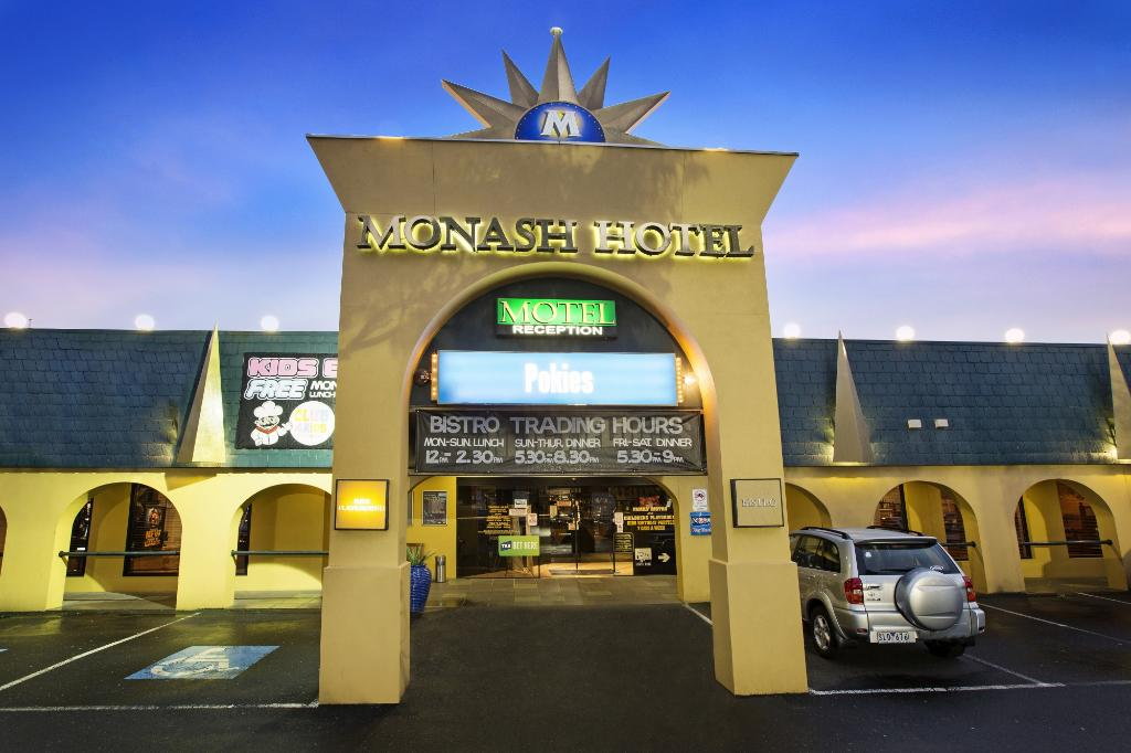 Monash Hotel