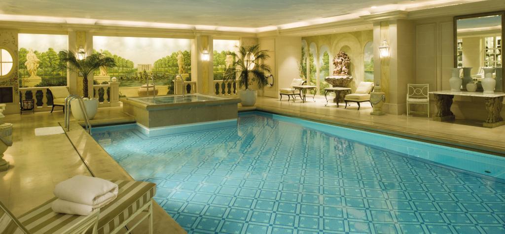 โรงแรมโฟร์ ซีซั่น จอร์จ ไฟฟ์ ปารีส