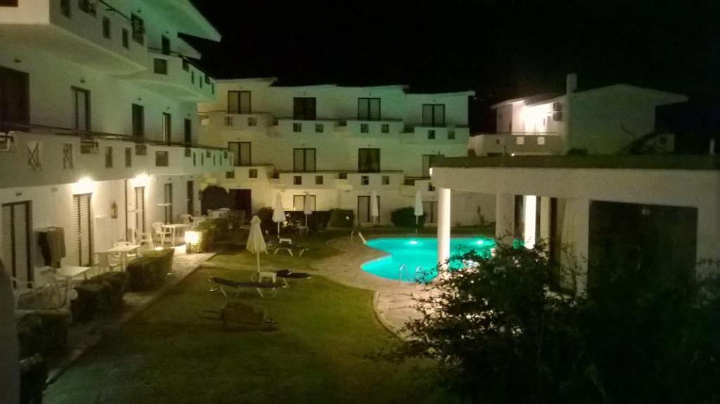 돌핀 비치 호텔