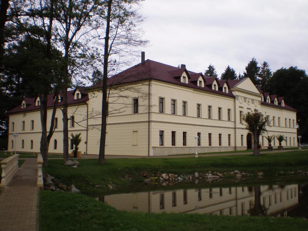 Zamek Kamenny Dvur