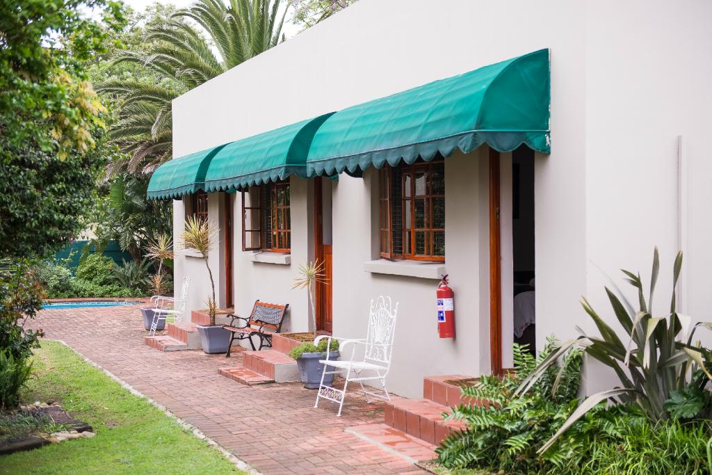 17 5th Avenue Walmer Guesthouse